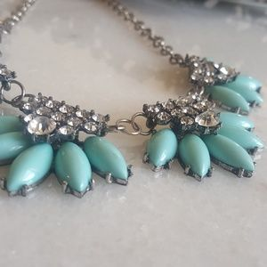 Jewelry - Turquoise Floral Necklace